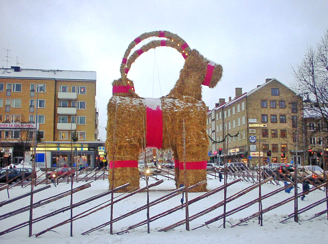 https://upload.wikimedia.org/wikipedia/commons/2/2a/Gavle_christmas_billy_goat.jpg