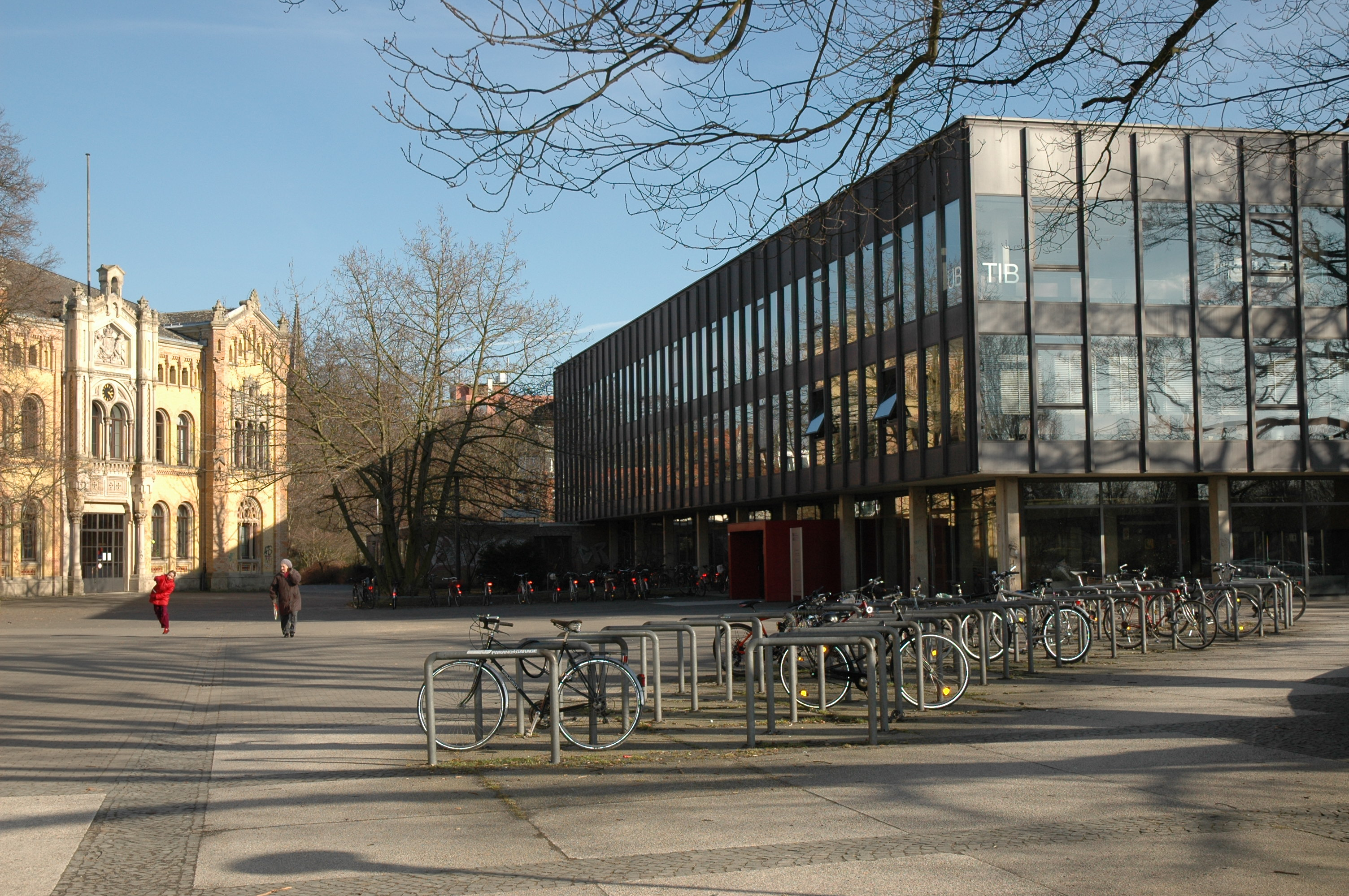 20th century essay german german in library science