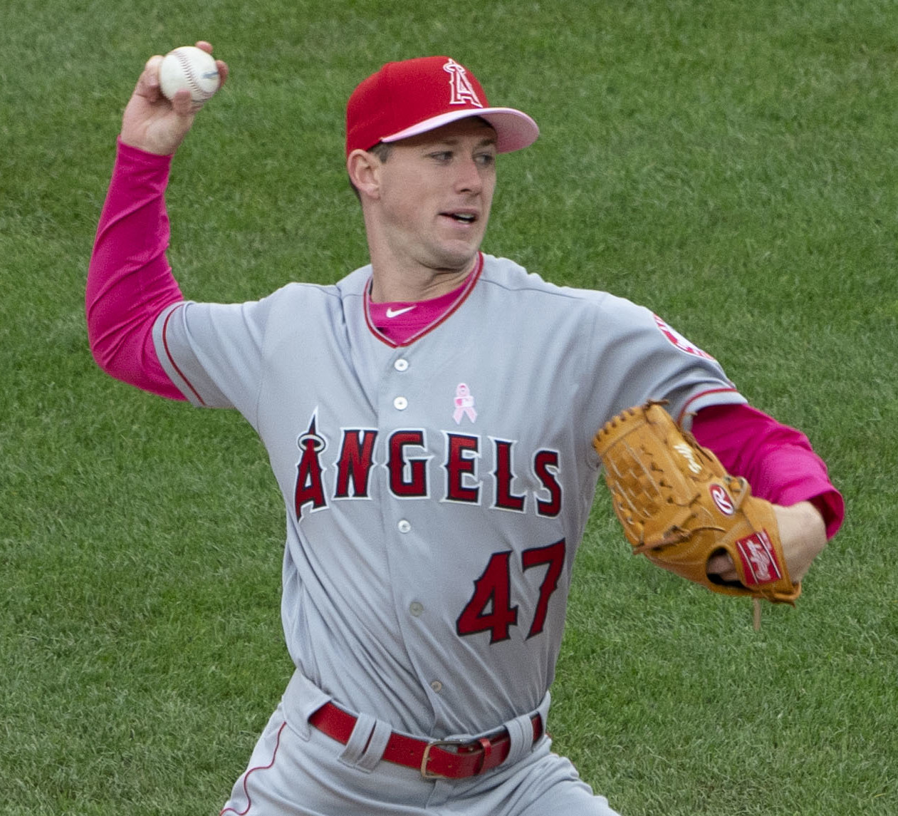 August 18, 2019 -- Led by starting pitcher Griffin Canning, the Angels defeated the White Sox at home, 9 to 2. The Angels pitching was helped by Brian Goodwin on offence.