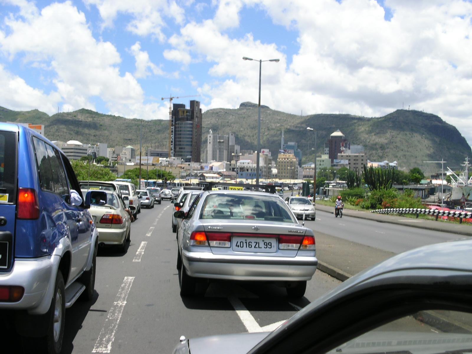Traffic Jam >> File:Highway traffic jam, suburbs of Port Louis - panoramio.jpg - Wikimedia Commons
