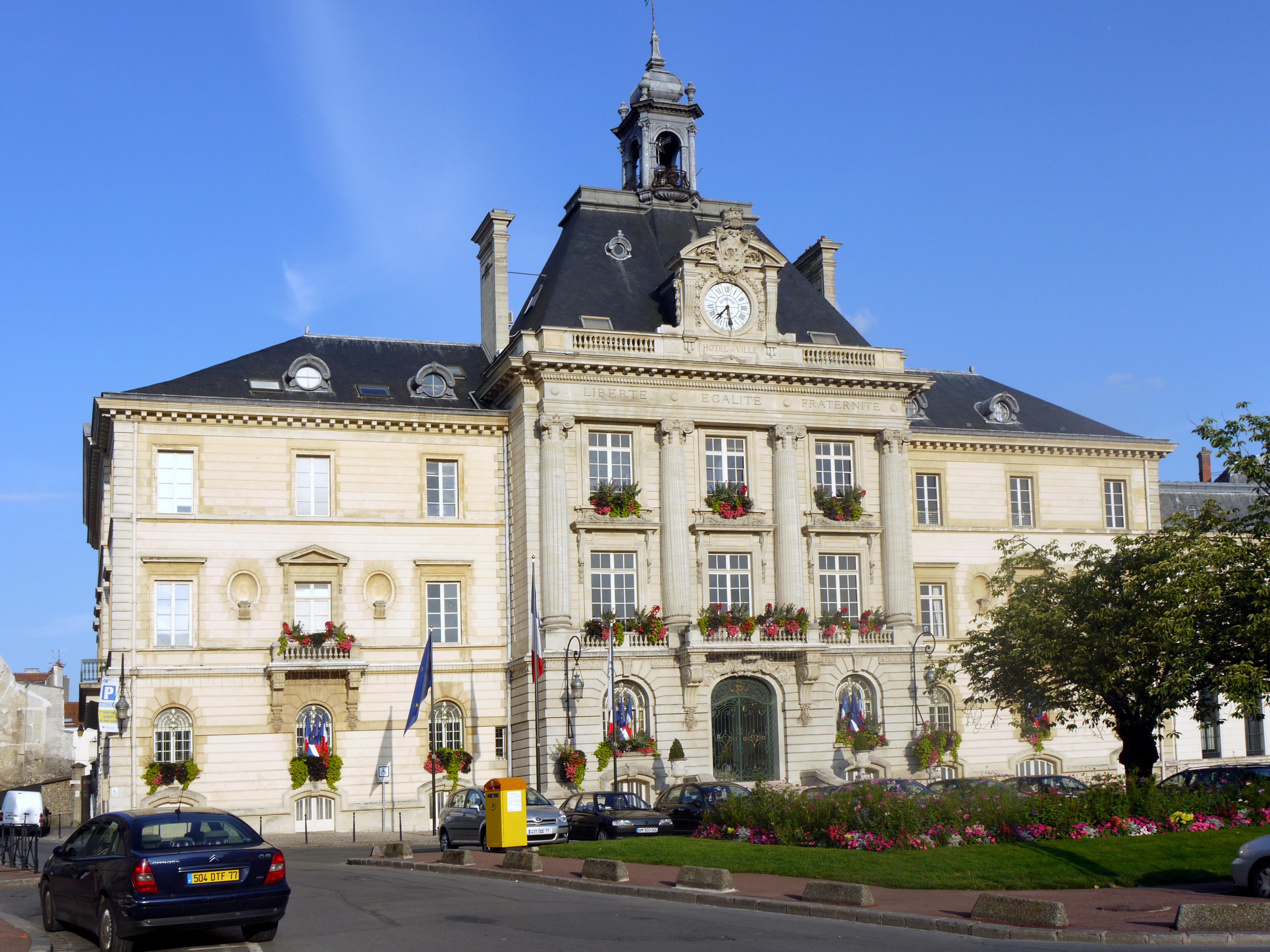 Hotel De Ville De Meaux
