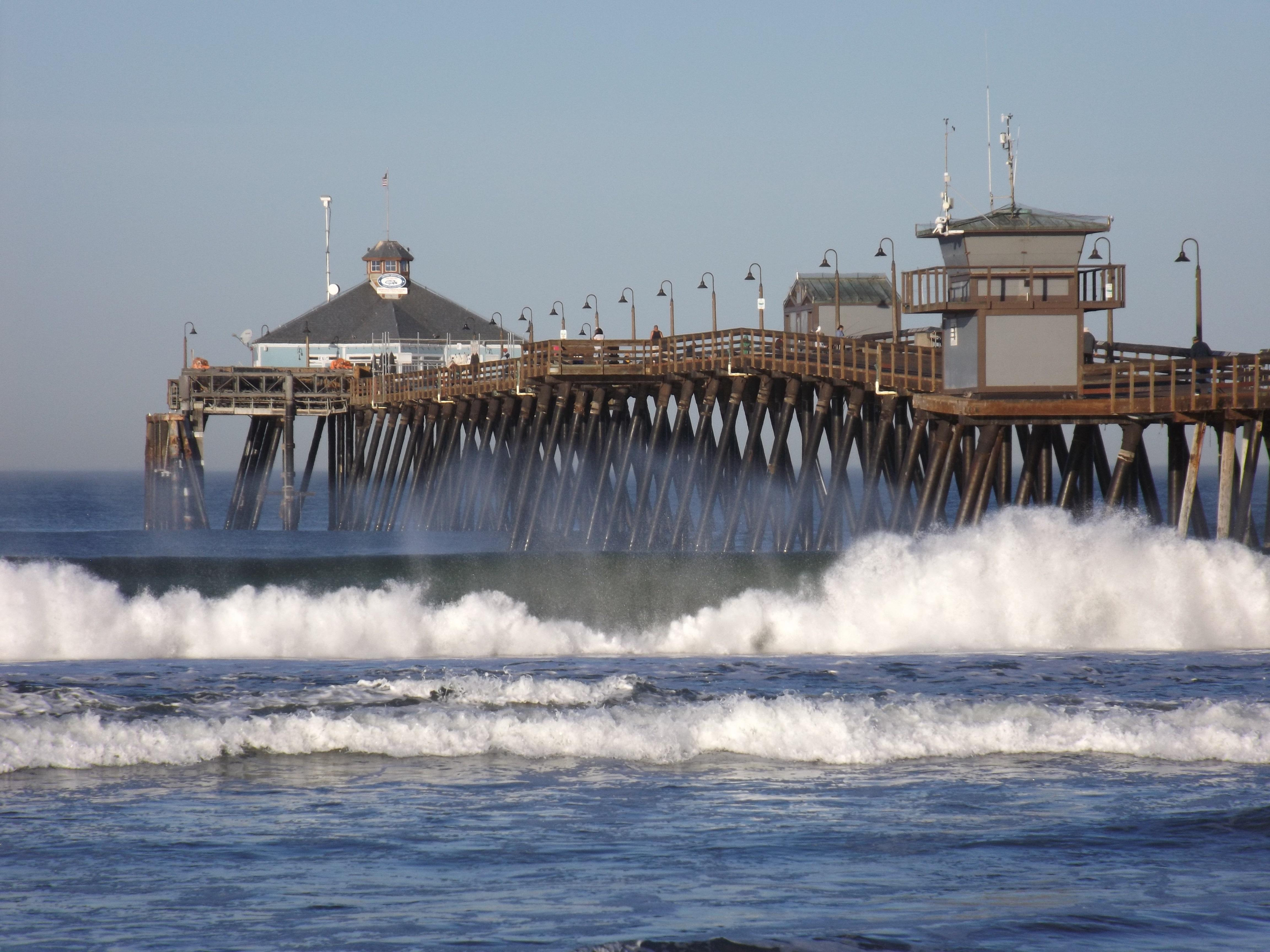 Imperial beach pier.jpg