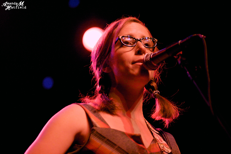 File:Laura Veirs opening for The Decemberists at Terminal 5 ...
