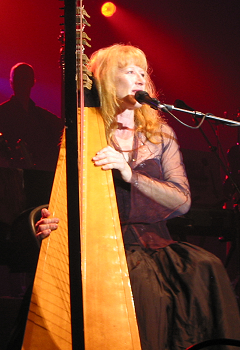English: Loreena McKennitt performing at the I...