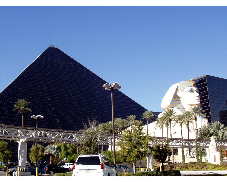 Hotel Luxor Las Vegas Photos