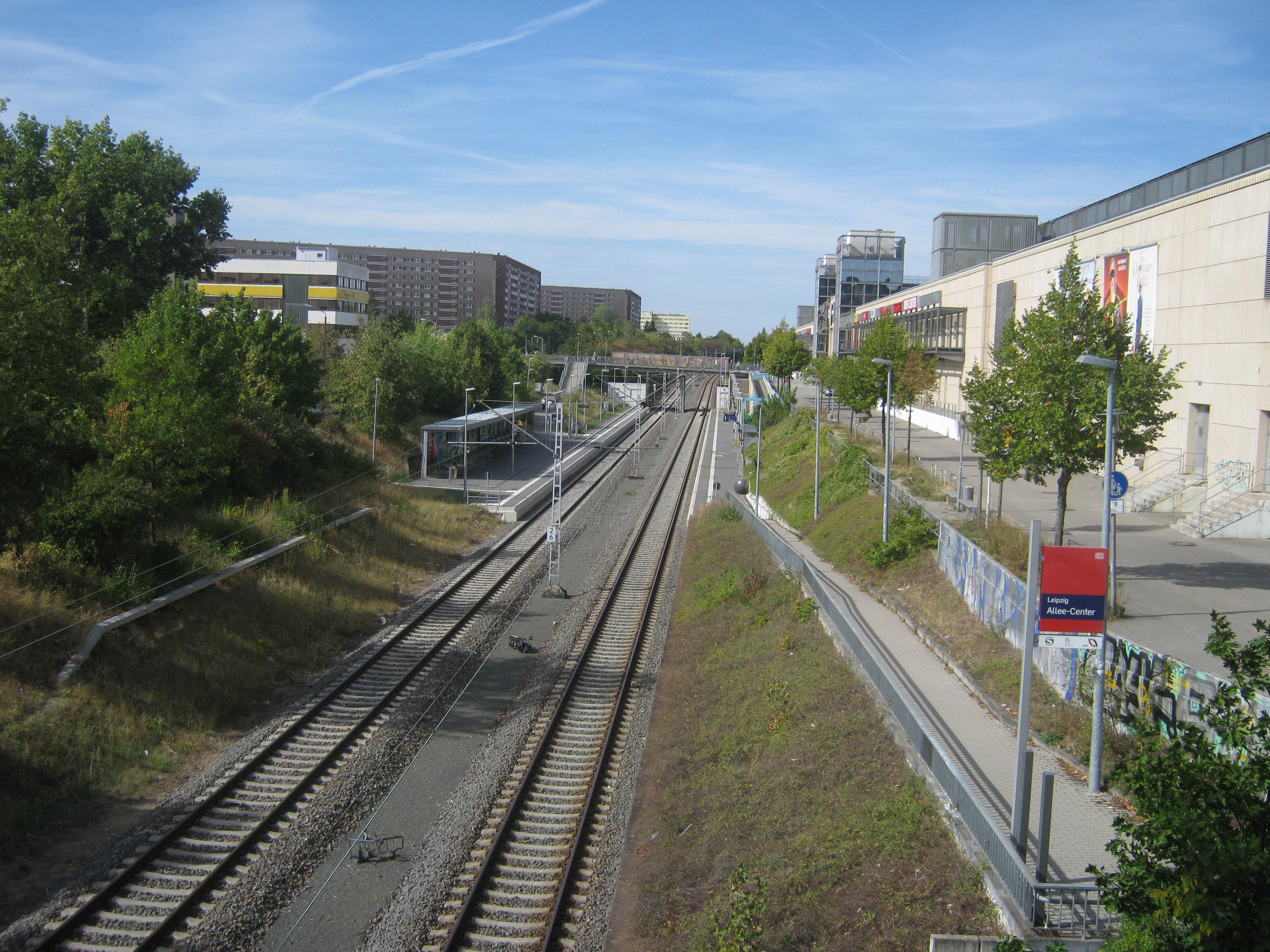 File:MKBler 12 Haltepunkt Leipzig Allee Center.jpg