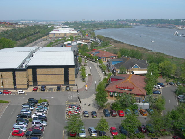 File:Medway Valley Leisure Park - geograph.org.uk - 811366.jpg
