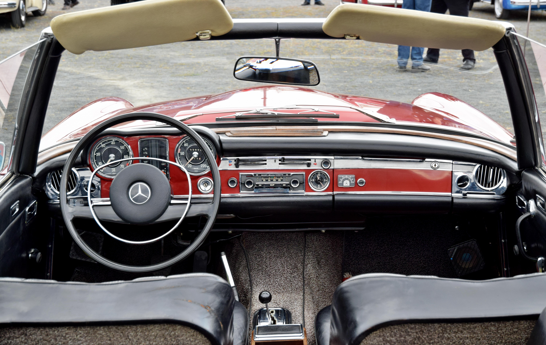 Armaturenbrett mercedes  File:Mercedes Armaturenbrett Oldtimer.jpg - Wikimedia Commons
