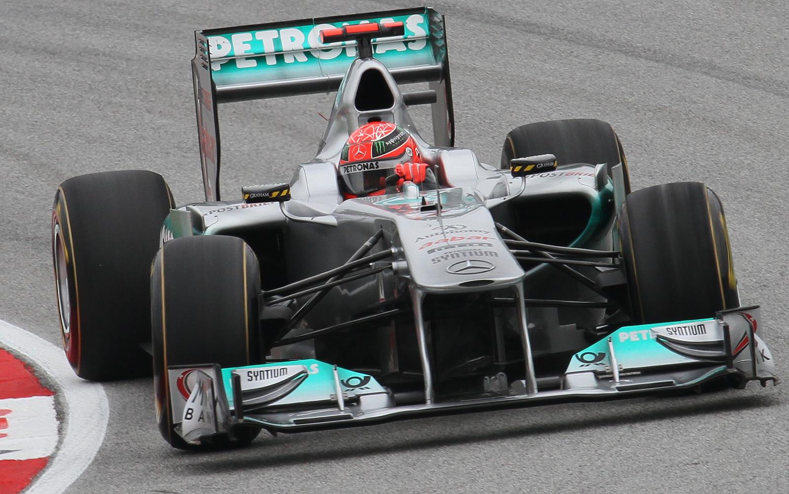 File:Michael Schumacher 2011 Malaysia Qualify.jpg ...