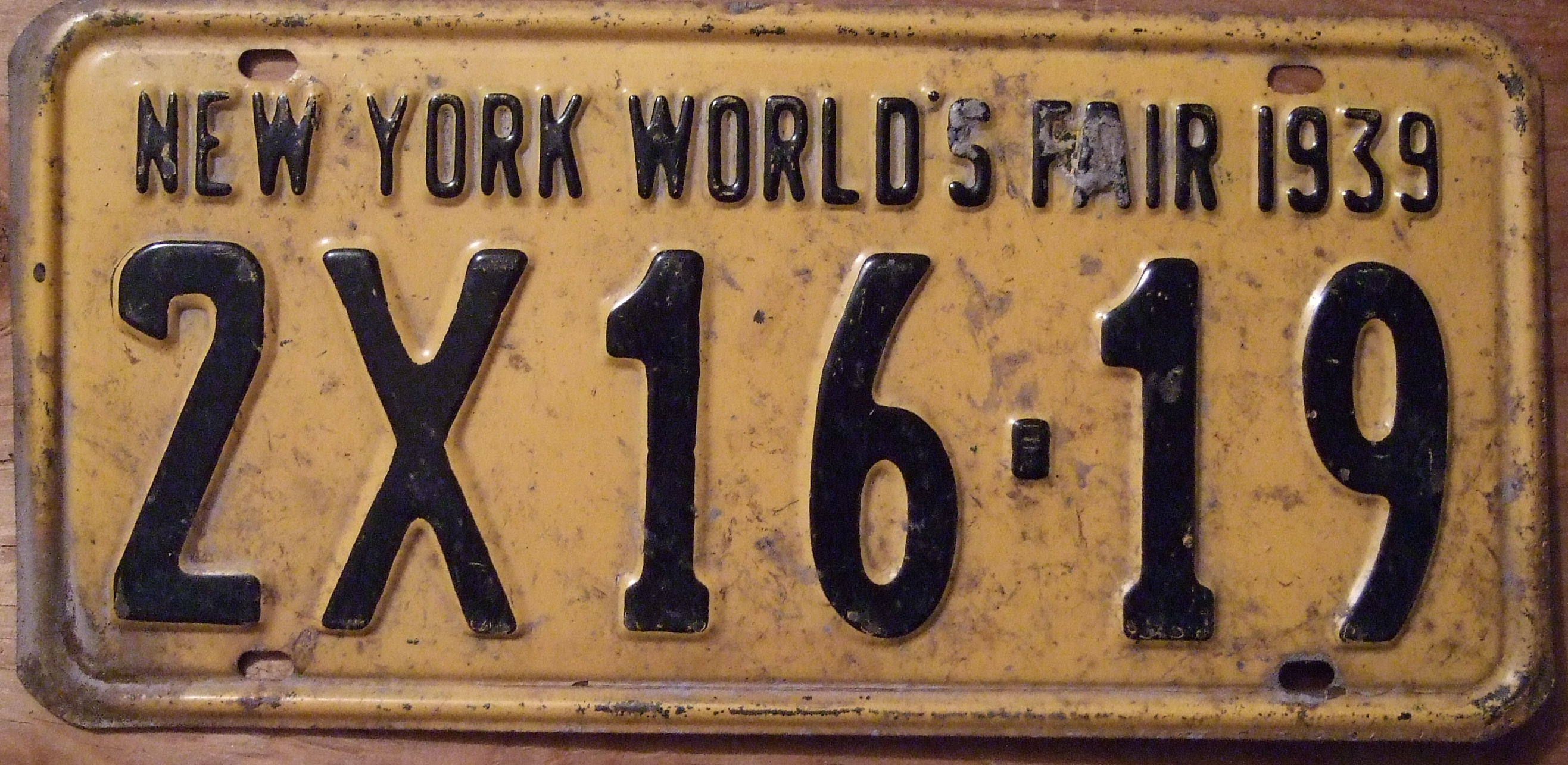file new york 1939 license plate with new york world 39 s. Black Bedroom Furniture Sets. Home Design Ideas
