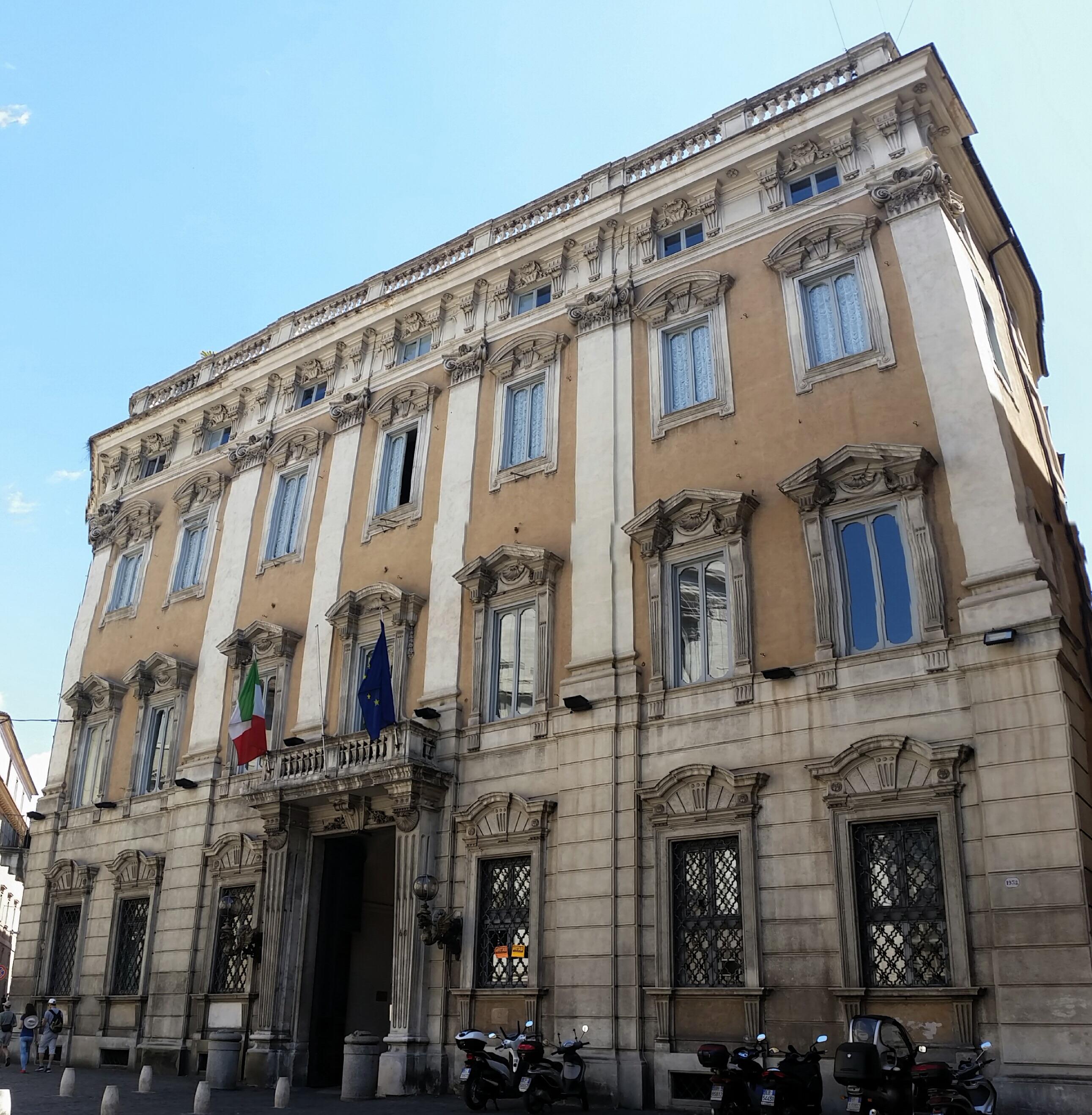 Palazzo Cenci Bolognetti sede della missione