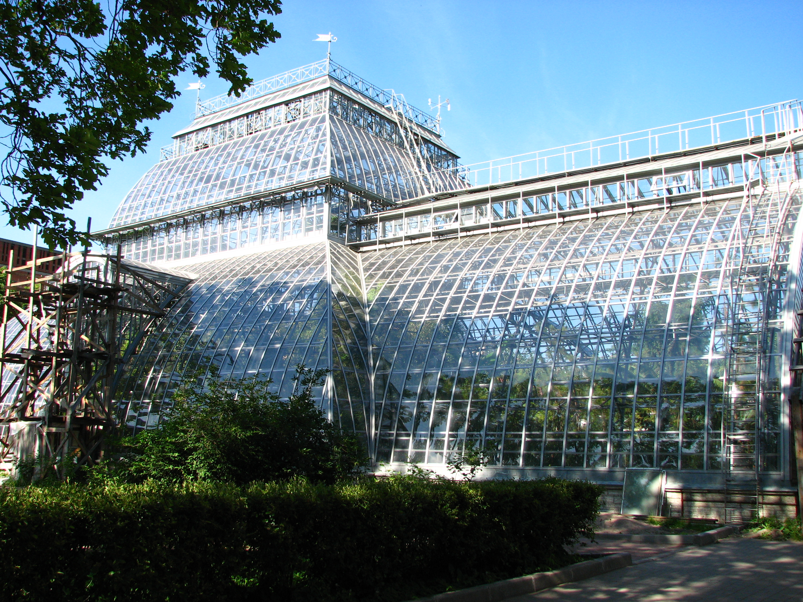 Hand Picked Gorgeous Greenhouses Of The Past Present And Future Atlas Obscura