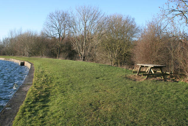 Picnic table at Denton Reservoir - geograph.org.uk - 1129006