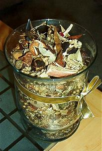 A potpourri vase