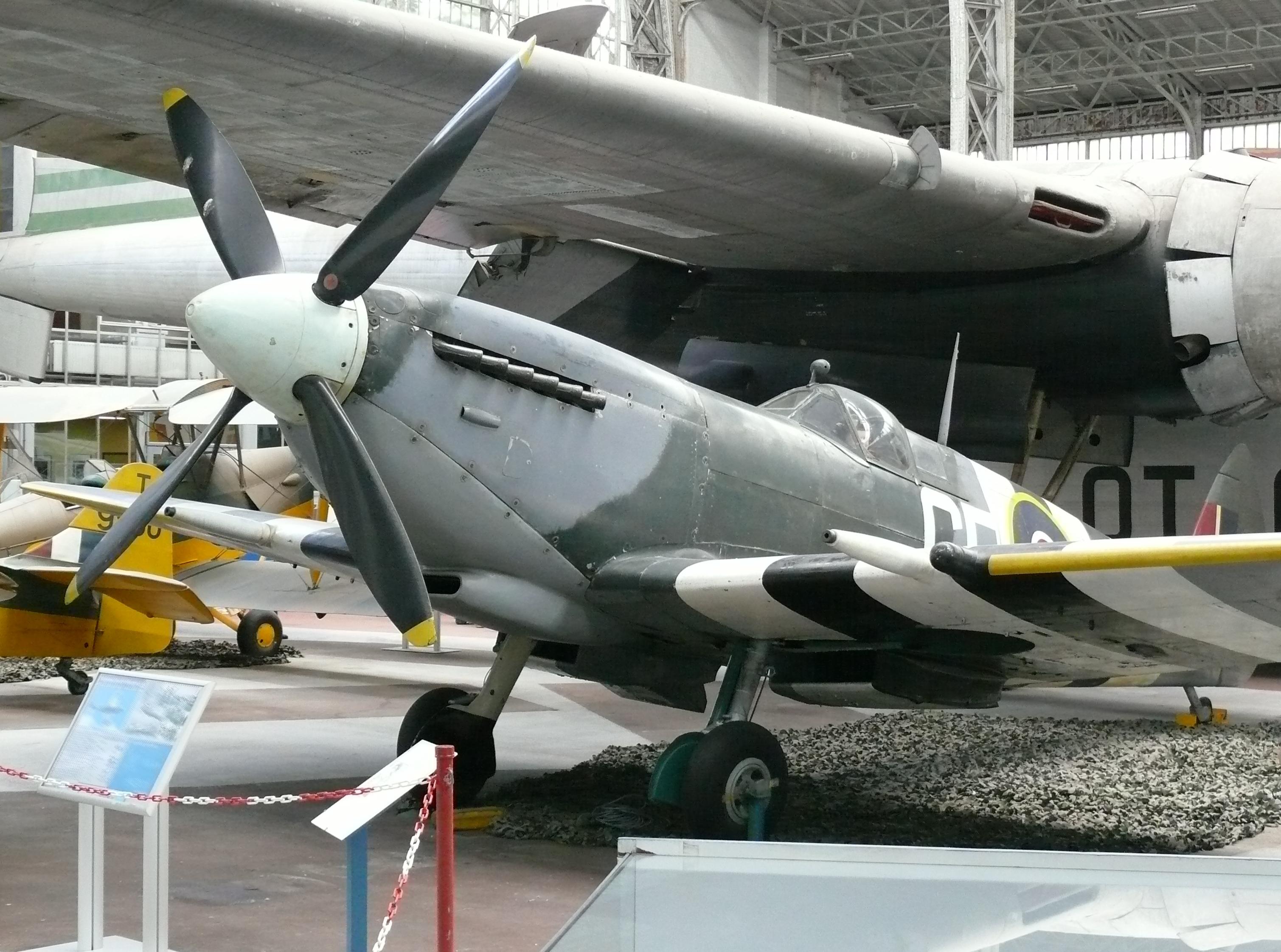 File:RMM Brussel Spitfire Mk IX 2 jpg  Wikimedia Commons