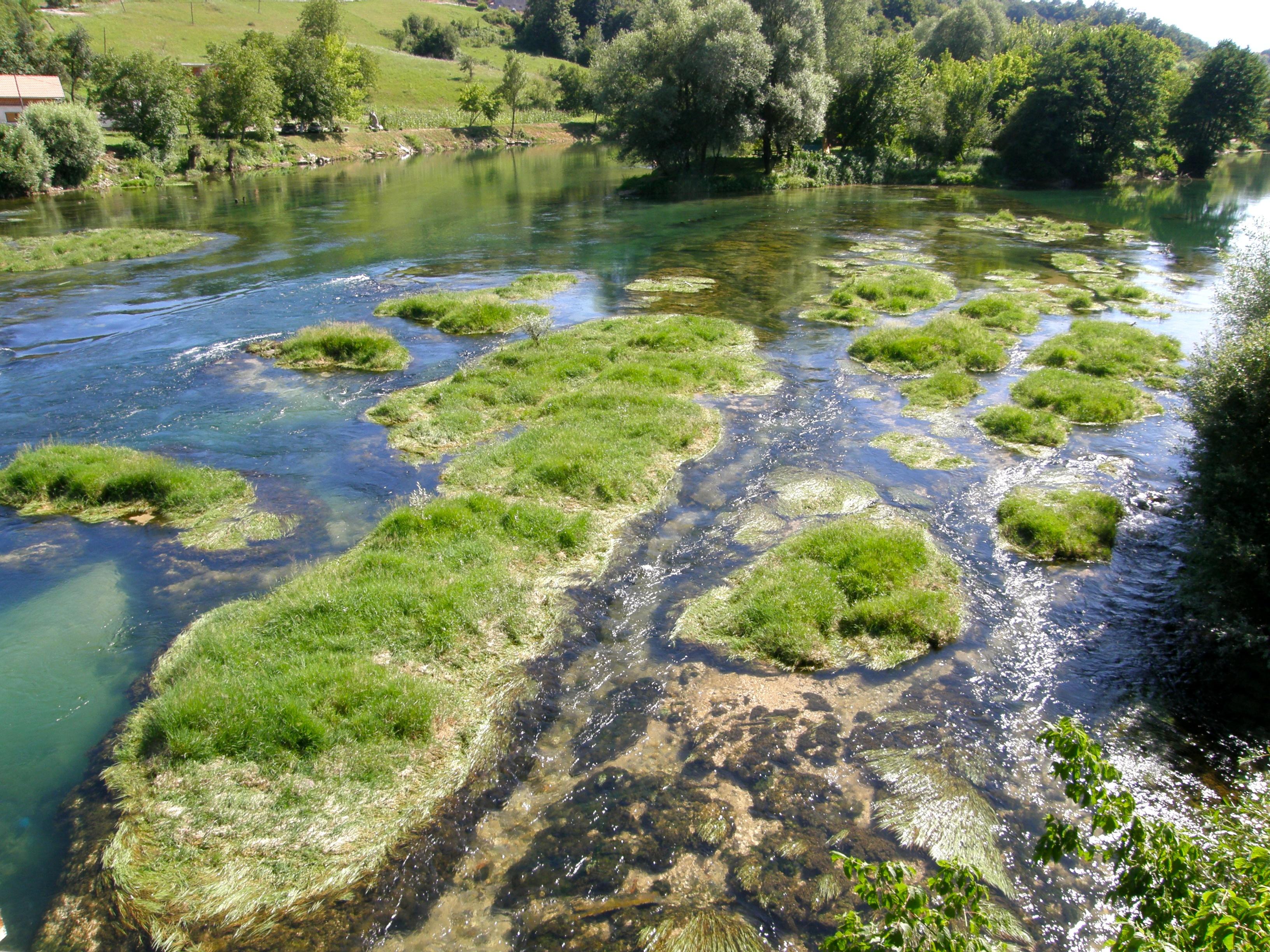 Description River Una, BiH.jpg