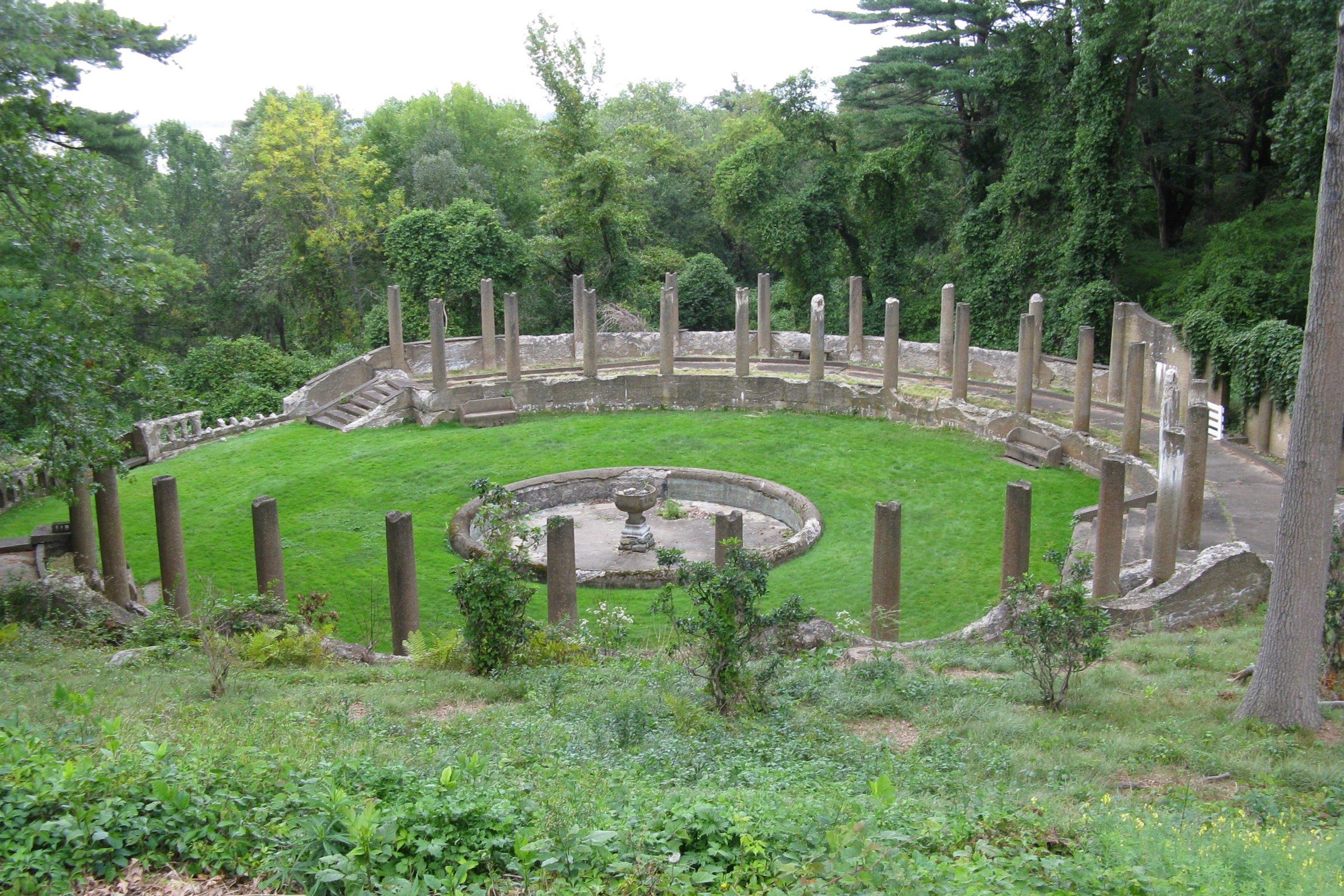 File:Rose Garden, Castle Hill, Ipswich MA