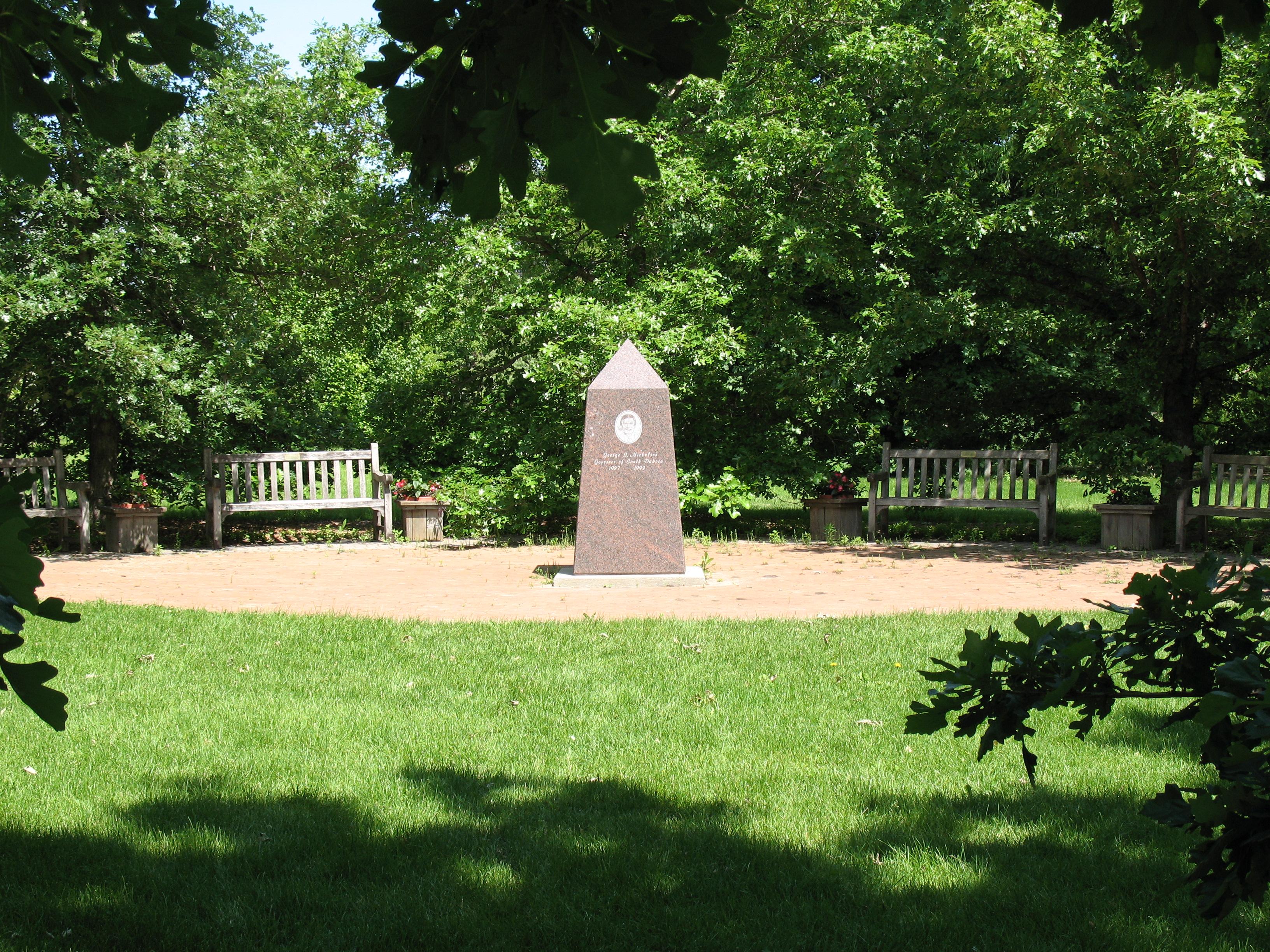 Mccrory Gardens And South Dakota Arboretum Northern Plains Biostress 254a Brookings Sd