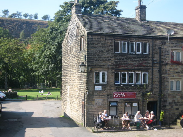 Saints Cafe Uppermill - geograph.org.uk - 985929