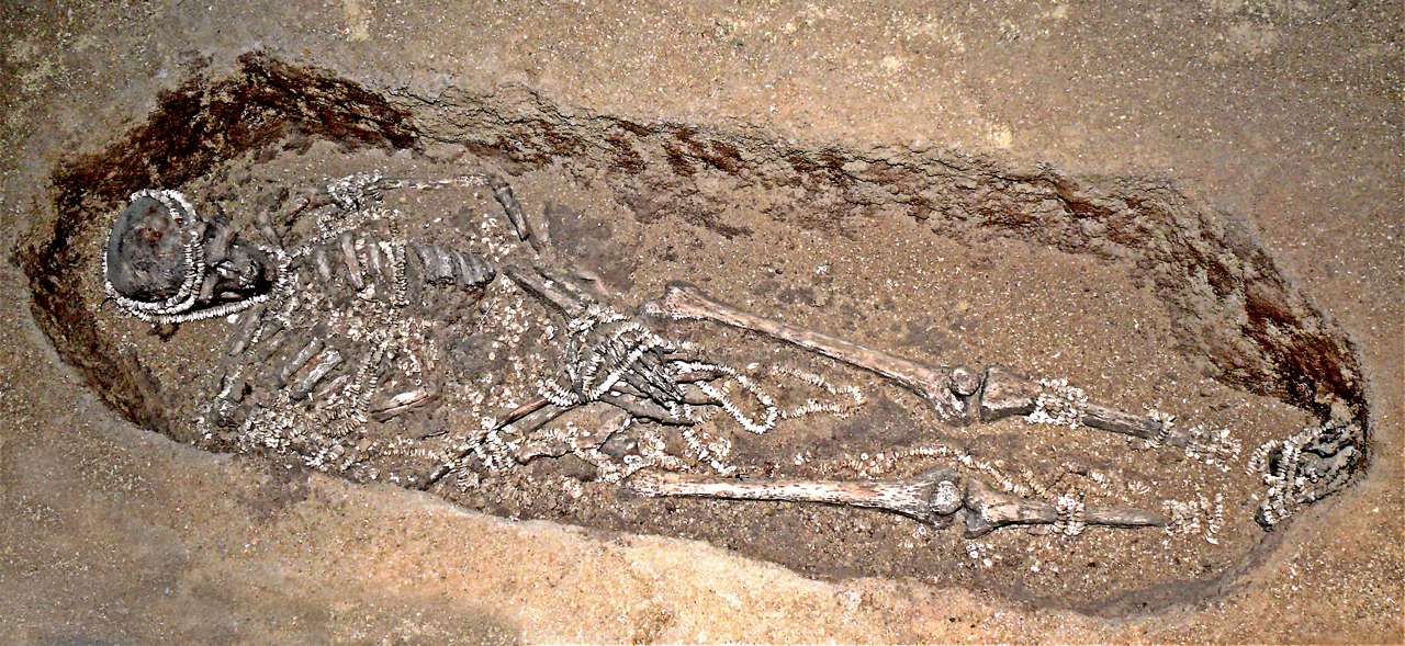 English: Man in an Upper Paleolithic burial in...