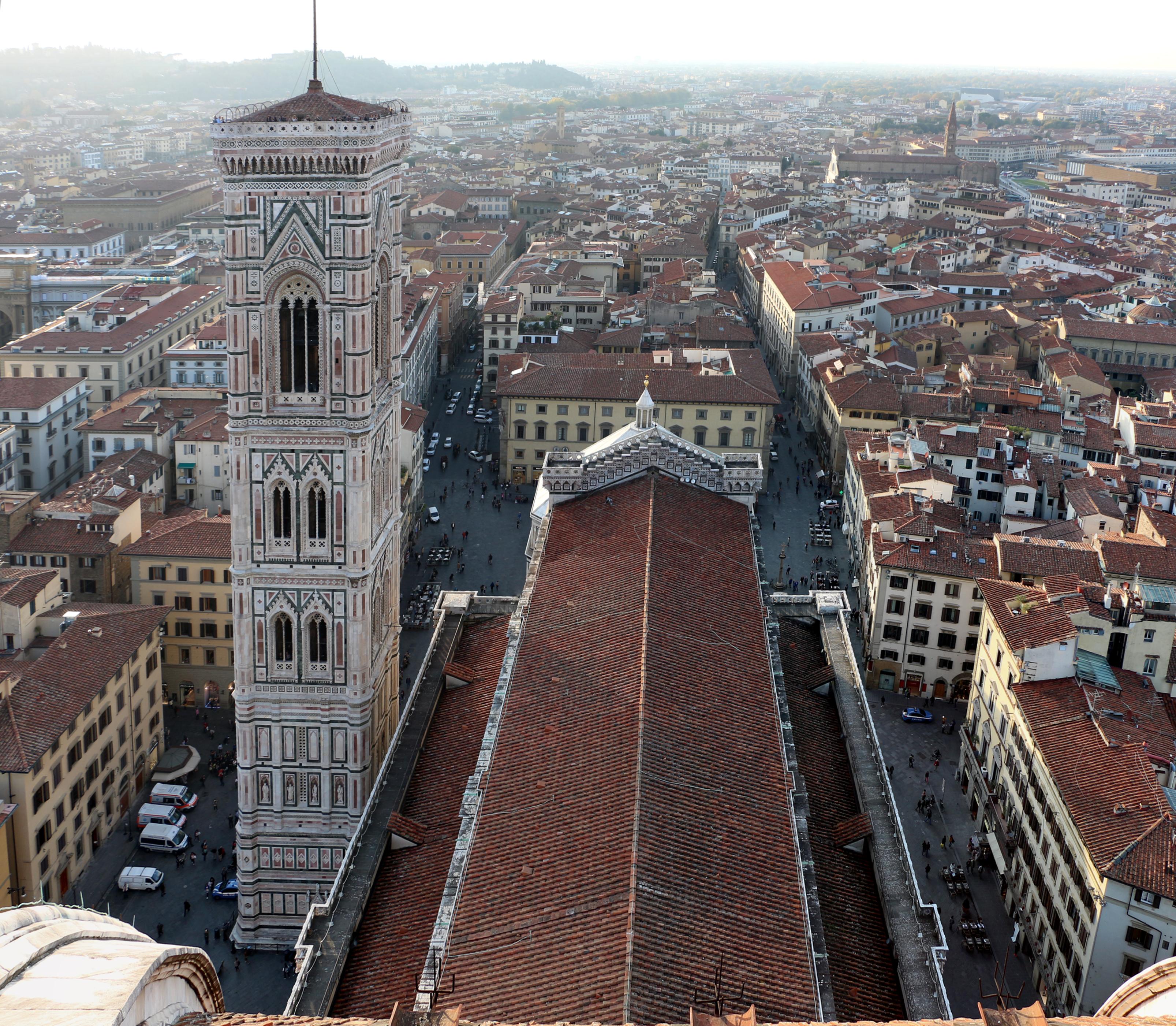 File:Terrazze del duomo, vedute su firenze, navata del duomo 00.jpg ...