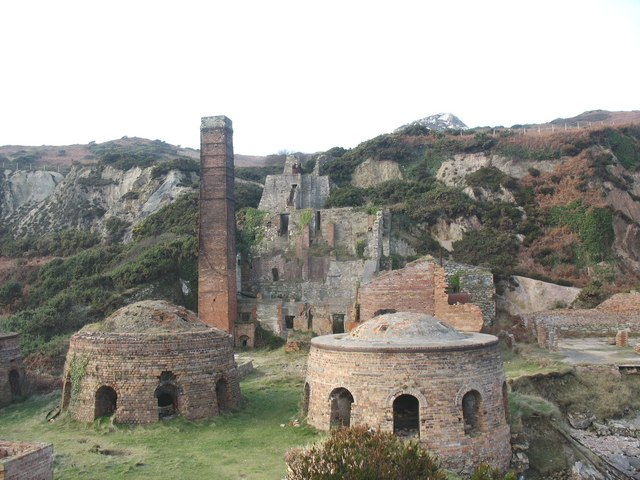 The kilns and storage bins of the Porth Wen brickworks - geograph.org.uk - 1121404