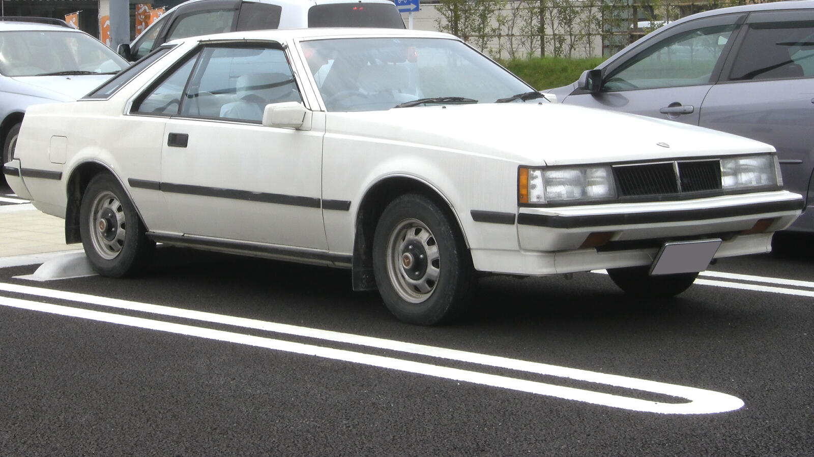 Description Toyota Corona 1983 2door.jpg