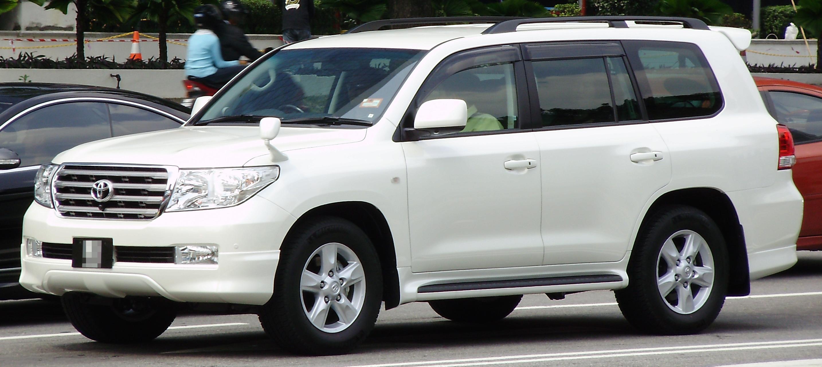 Toyota Land Cruiser Wiki >> File:Toyota Land Cruiser (ninth generation) (front), Kuala Lumpur.jpg - Wikimedia Commons