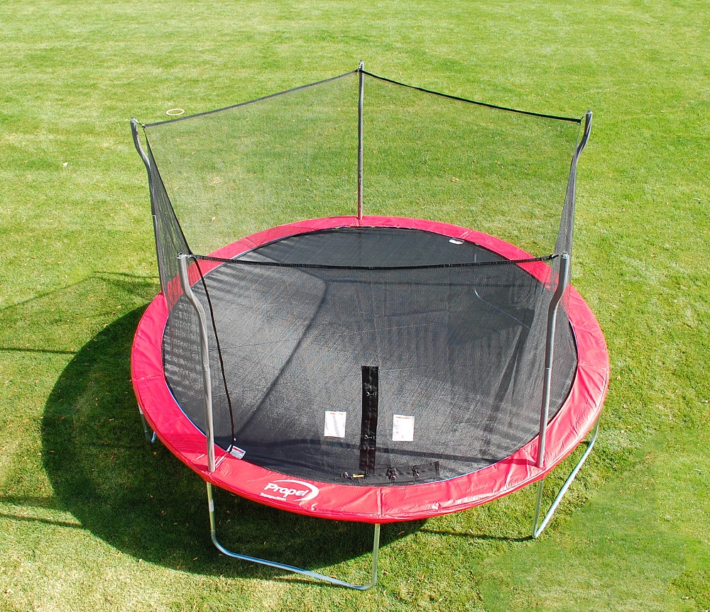 Trampoline with enclosure.jpg English: recreational trampoline with safety enclosure Date 19 October 2011 Source Own work Author Nayand