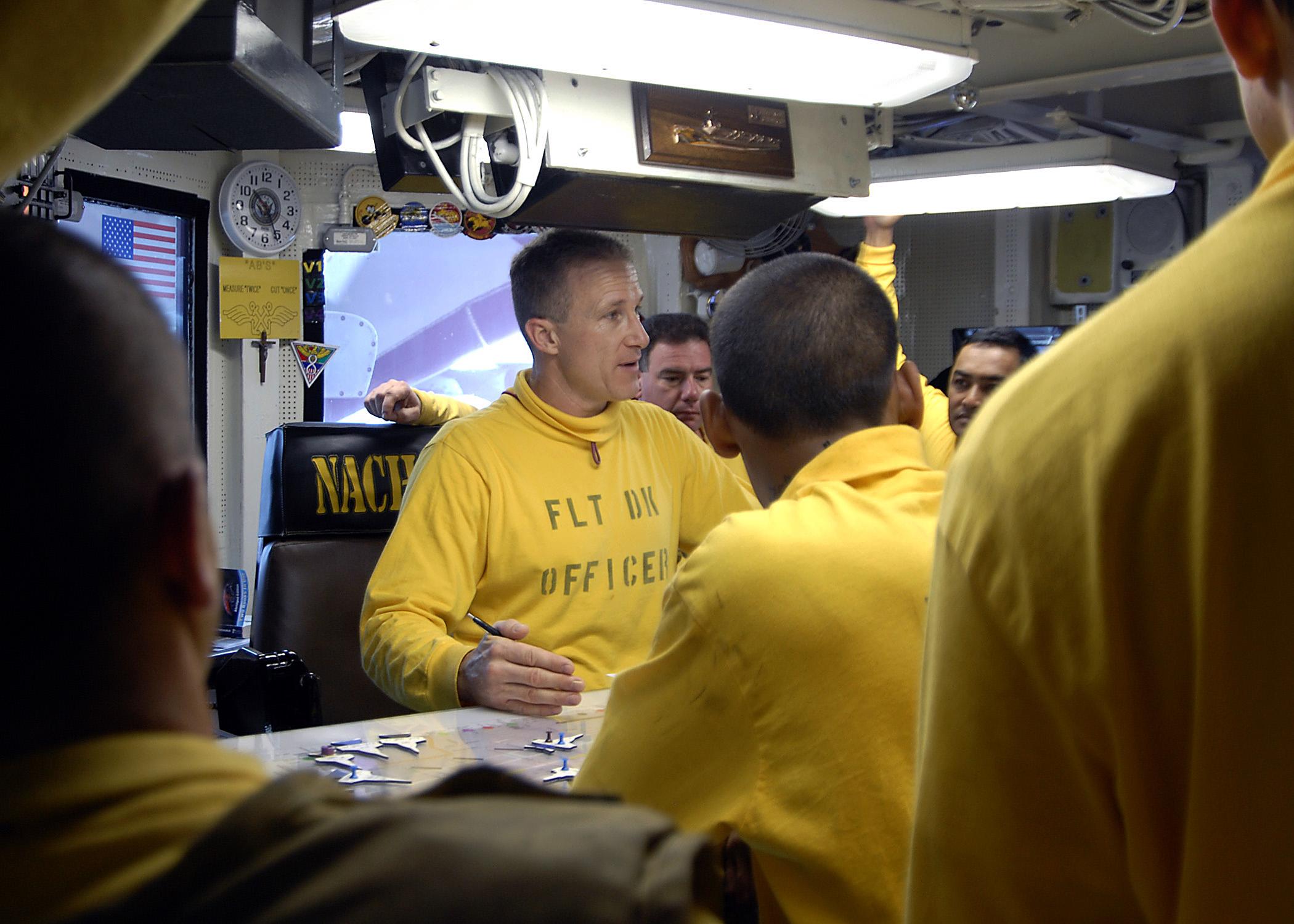File:US Navy 081018-N-6676S-003 Lt  Ronald Rancourt, flight deck