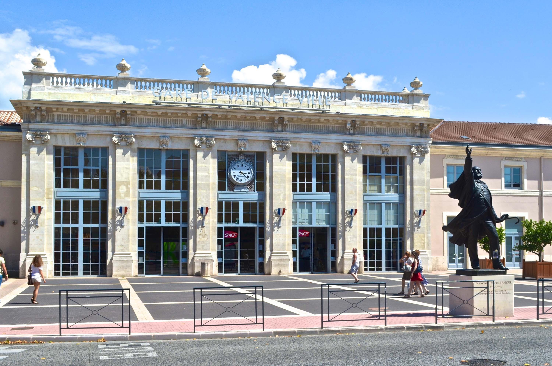 Gare de valence ville wikiwand - Piscine valence polygone ...