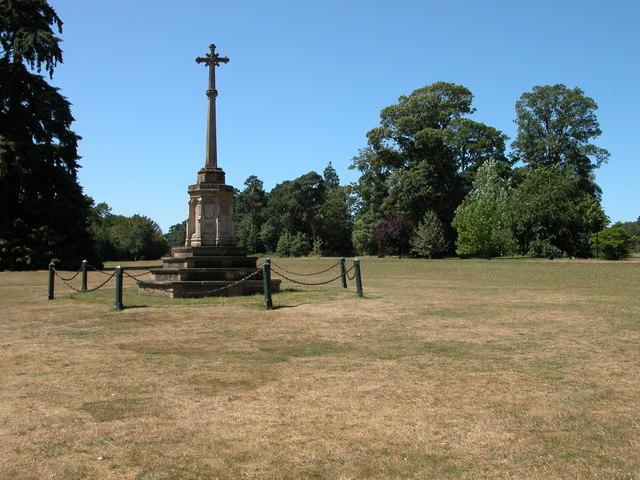 War Memorial, Sandringham - geograph.org.uk - 305977