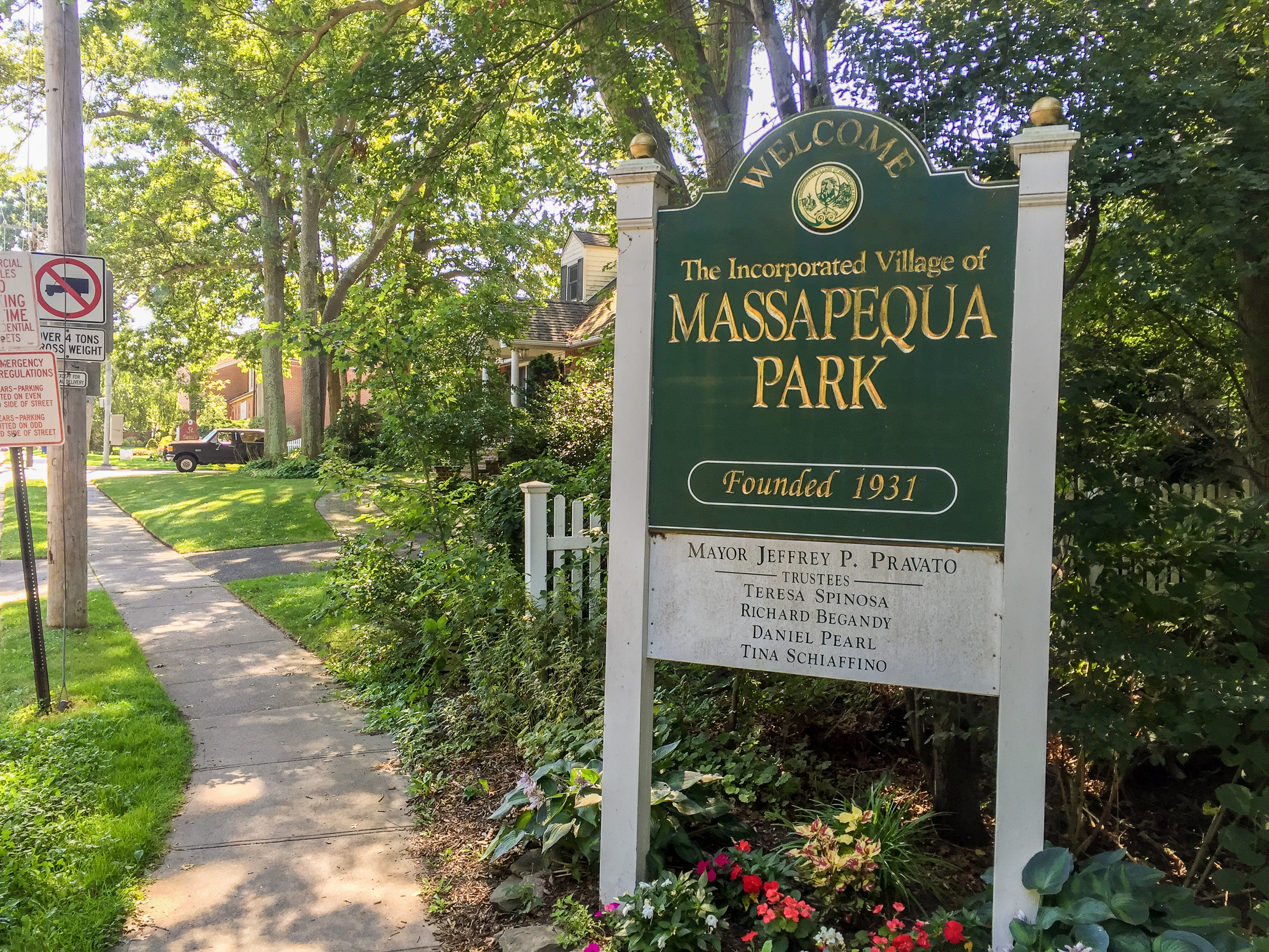 massapequa park singles Massapequa park apartments: search for apartments and houses for rent near massapequa park, ny view listings for currently available properties.