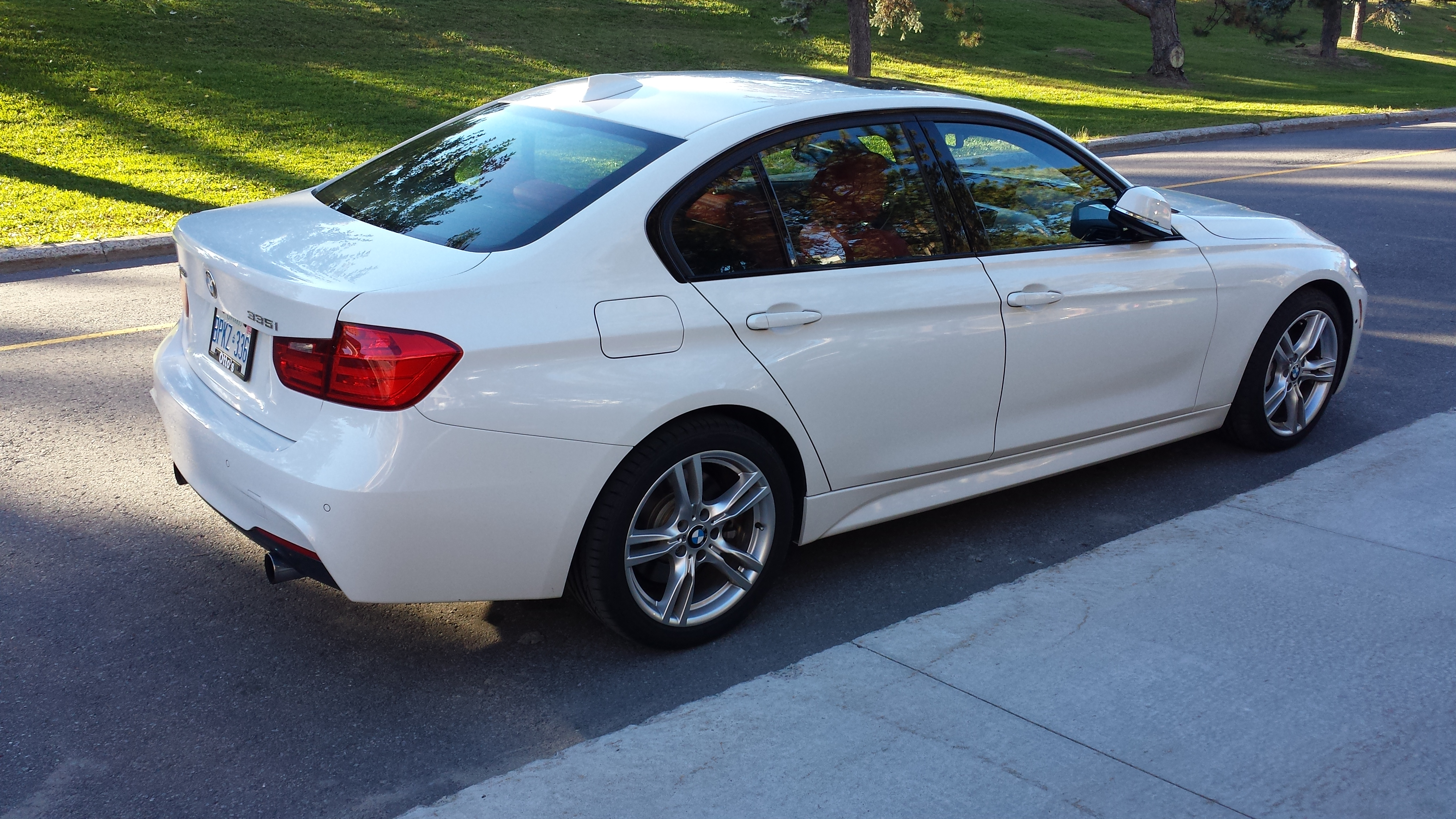 FileWhite BMW 335i XDrive F30