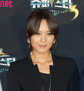 Singer and rapper Yoon Mi-rae is half African-American, half Korean.
