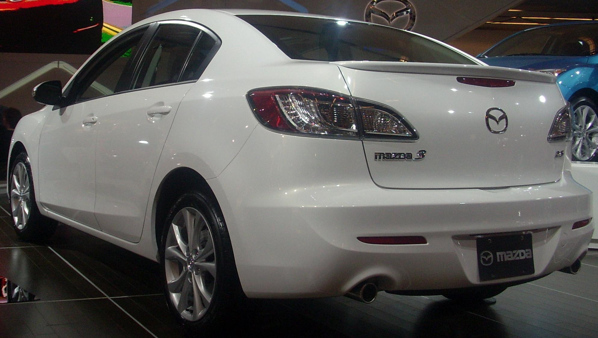 File:'10 Mazda3 2.5 Sedan (Rear, MIAS).JPG - Wikimedia Commons