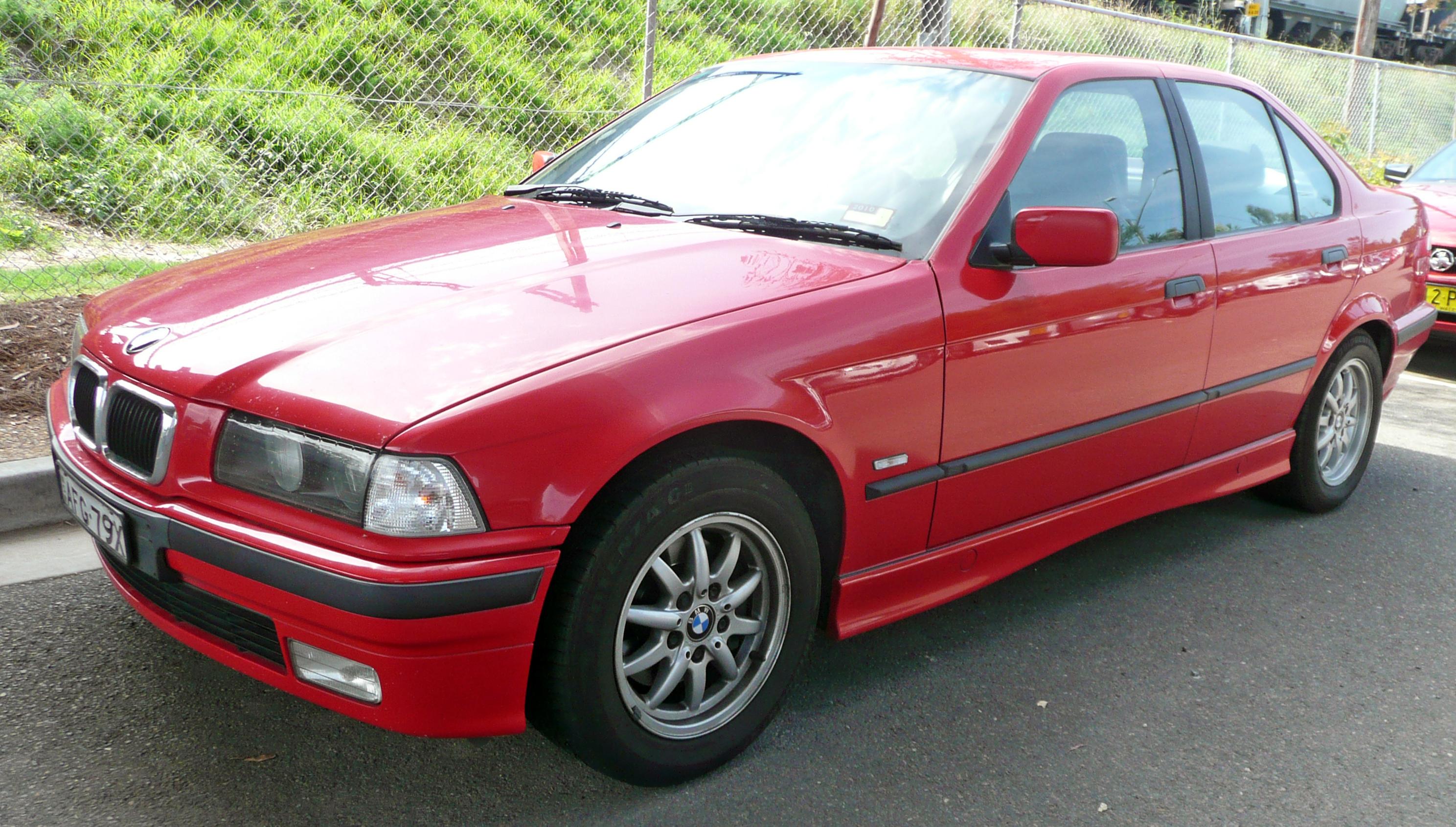 File:1996-1998 BMW 323i (E36) sedan 01.jpg - Wikimedia Commons