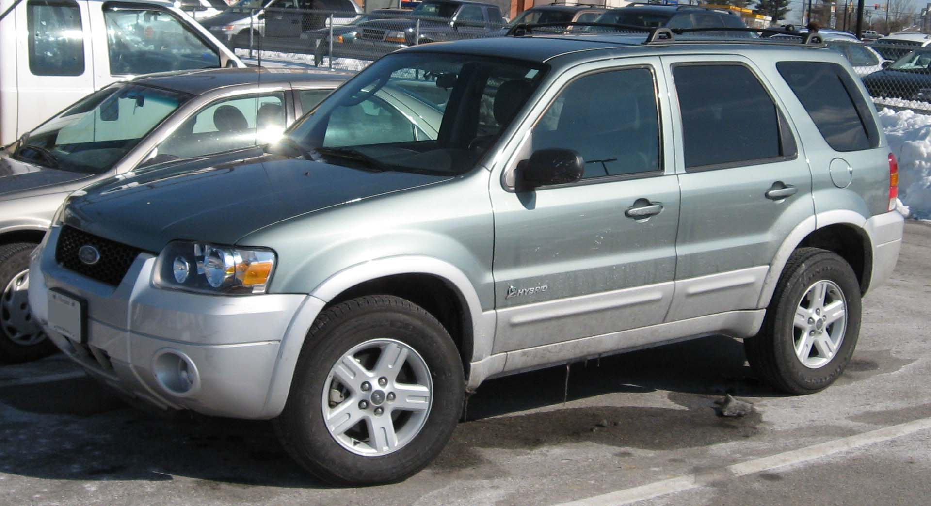 Ford Suv 2006 >> Ford Escape Hybrid – Wikipedia, wolna encyklopedia