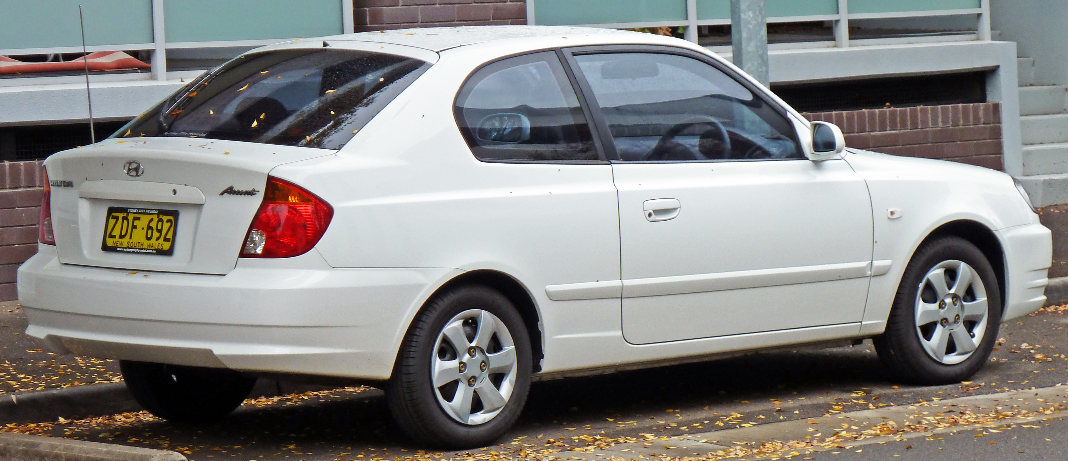 File 2003 2006 Hyundai Accent Lc My04 Gl 3 Door Hatchback 01 Jpg Wikimedia Commons