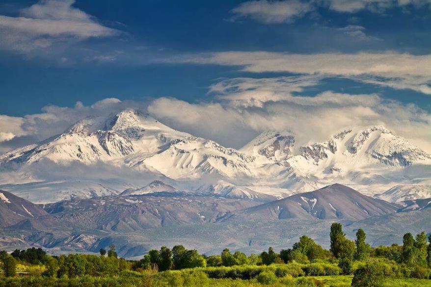 قله و دامنه کوه سبلان