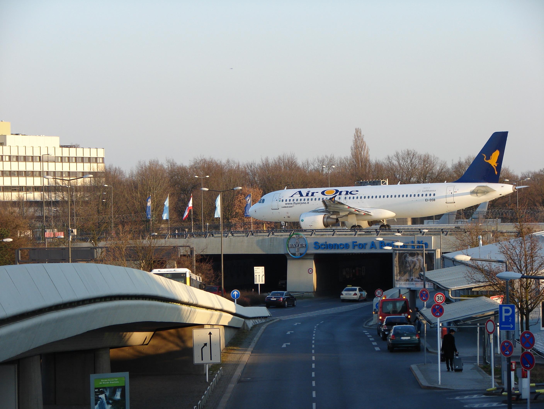 File airone berlin wikipedia for Flughafen tegel