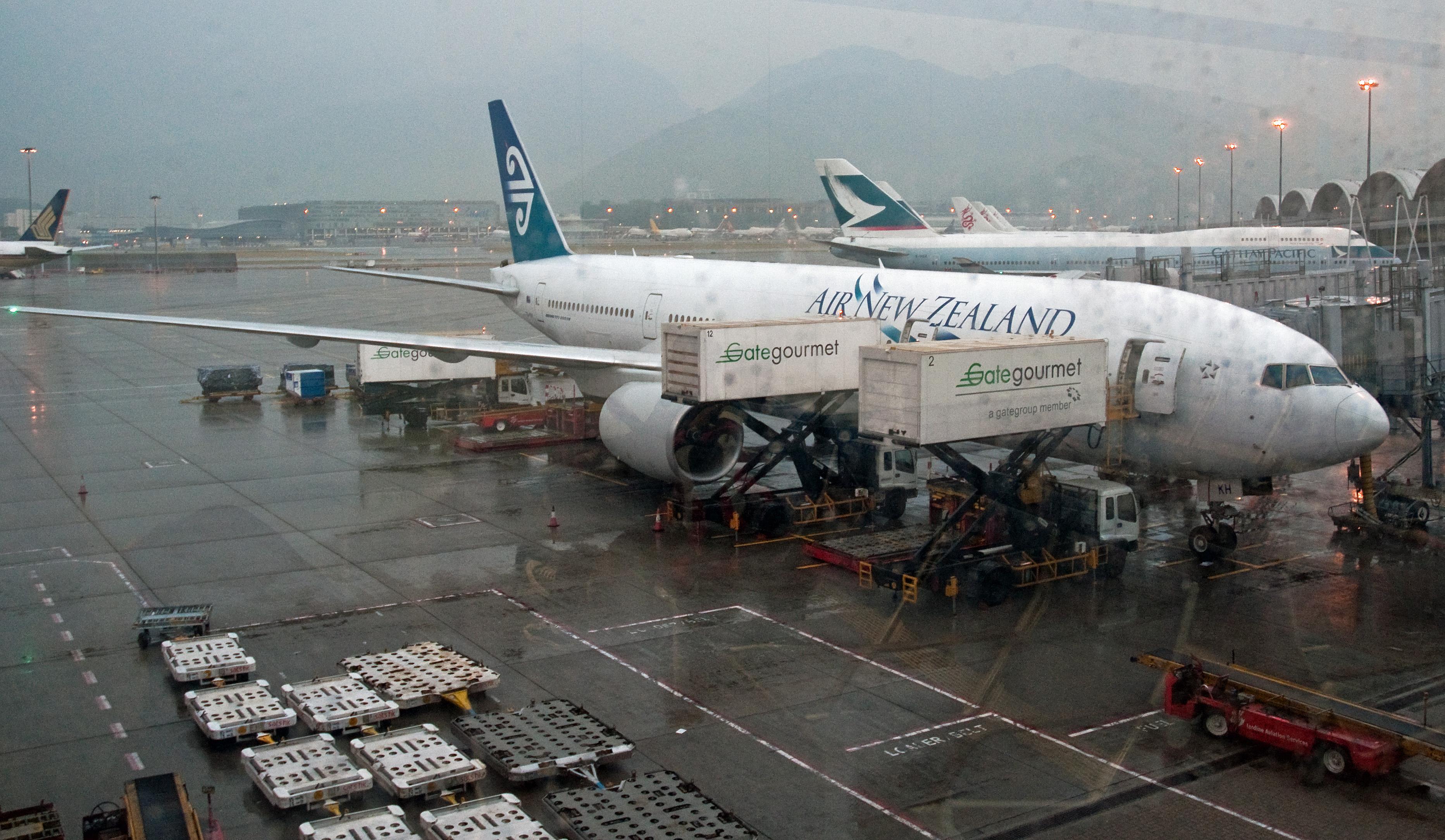 File Air New Zealand Boeing 777 200er Hong Kong International Airport Jpg