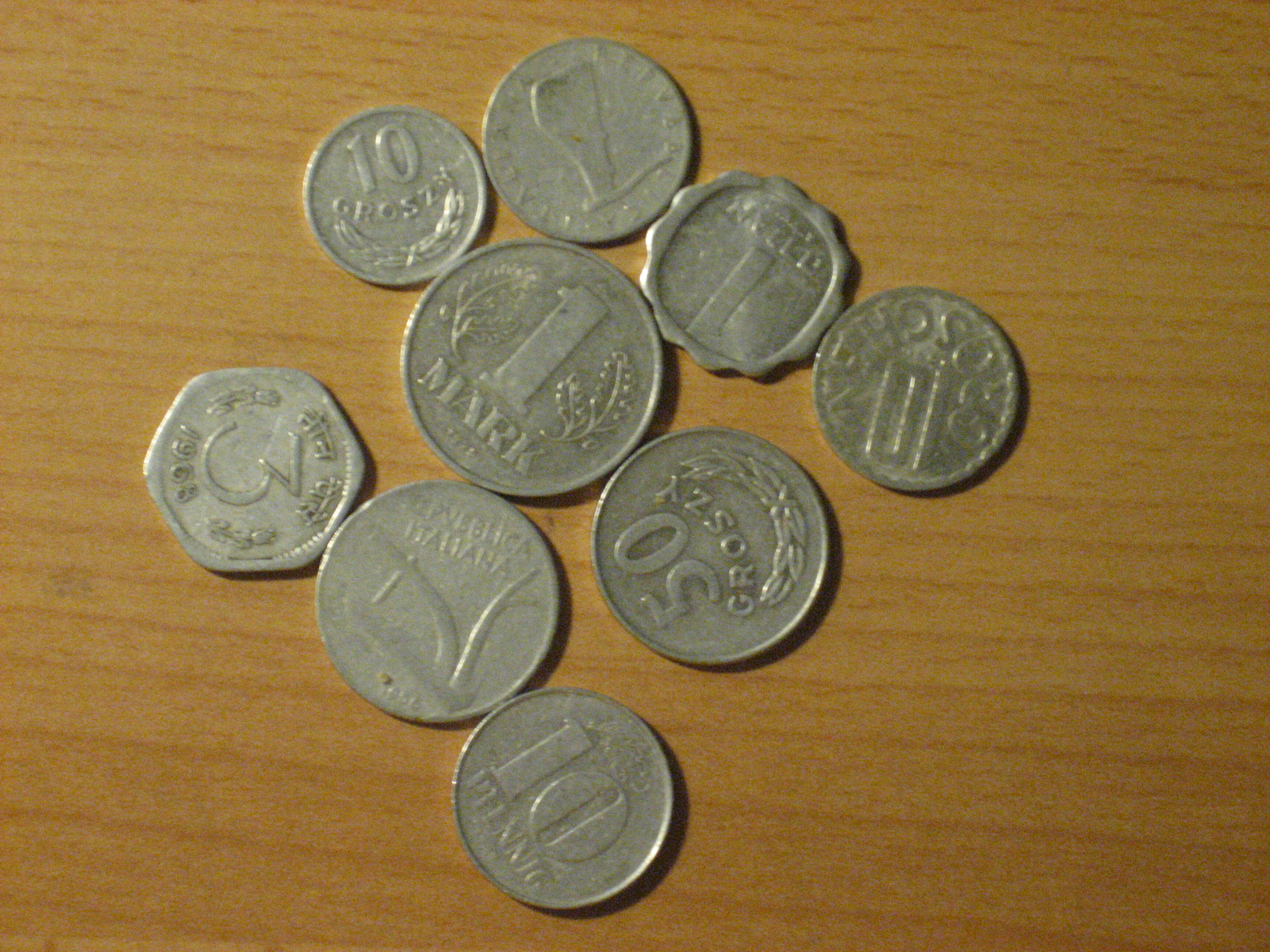 What Is Aluminum Used For >> File:Aluminium coins.jpg - Wikimedia Commons