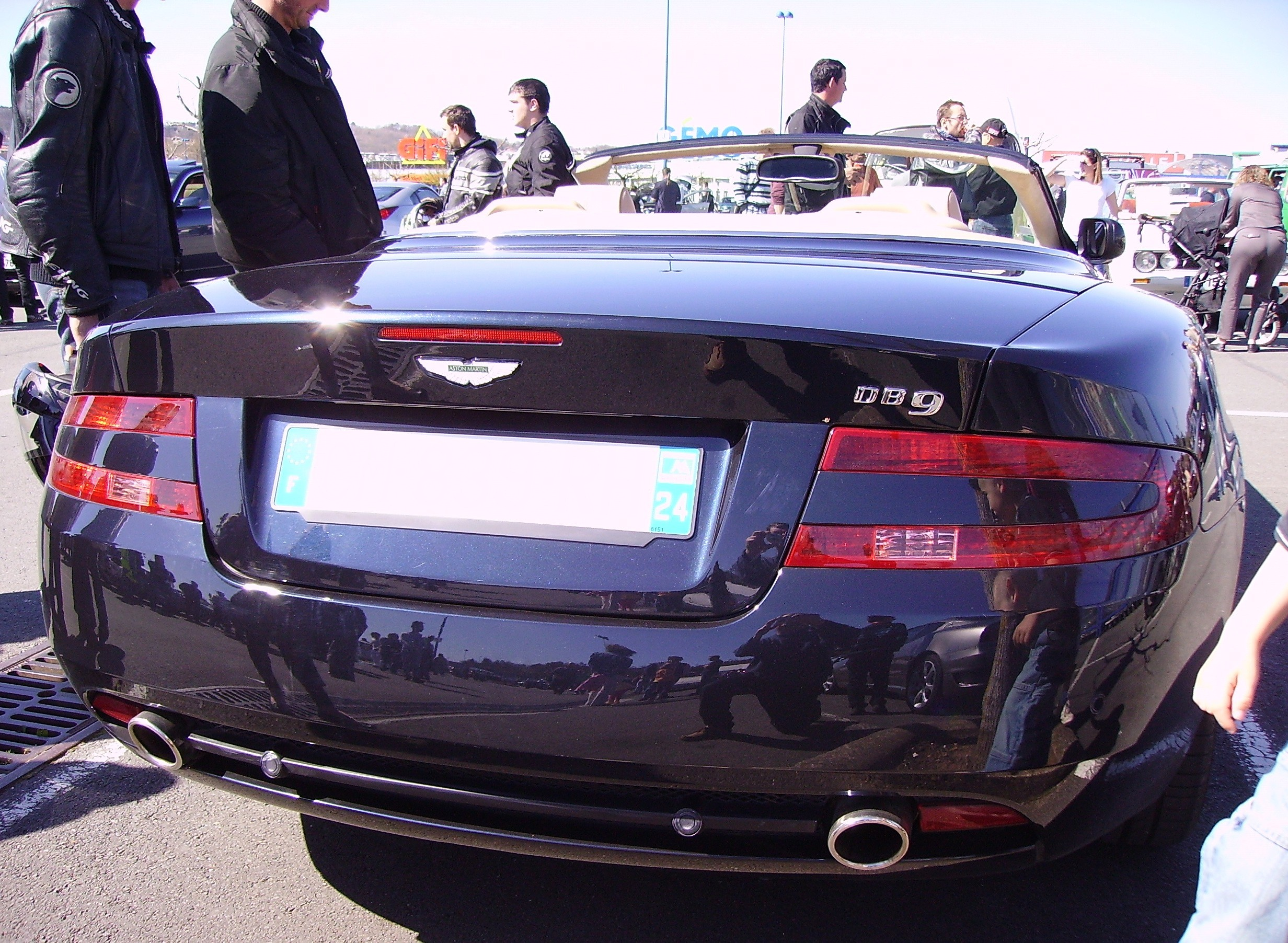 File Aston Martin Db9 Volante Rear Jpg Wikimedia Commons