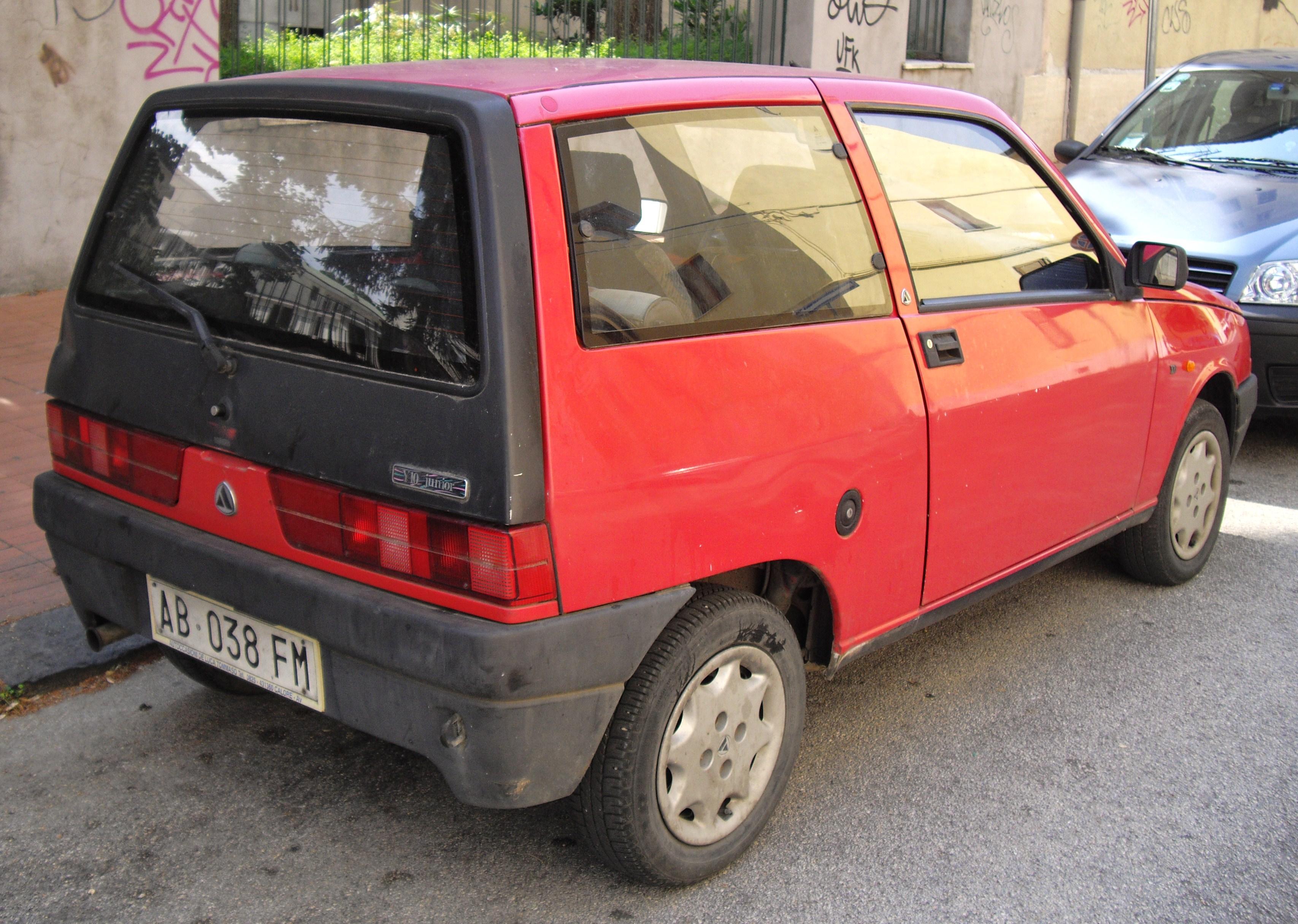 File:Autobianchi Y10 II rear.jpg - Wikimedia Commons