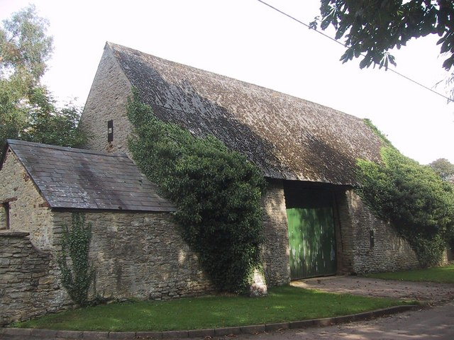 Barn in Hampton Poyle - geograph.org.uk - 966399