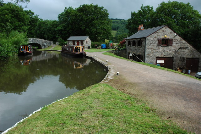 Brecon and Monmouthshire Canal at Cwmcrawnon - geograph.org.uk - 1372752