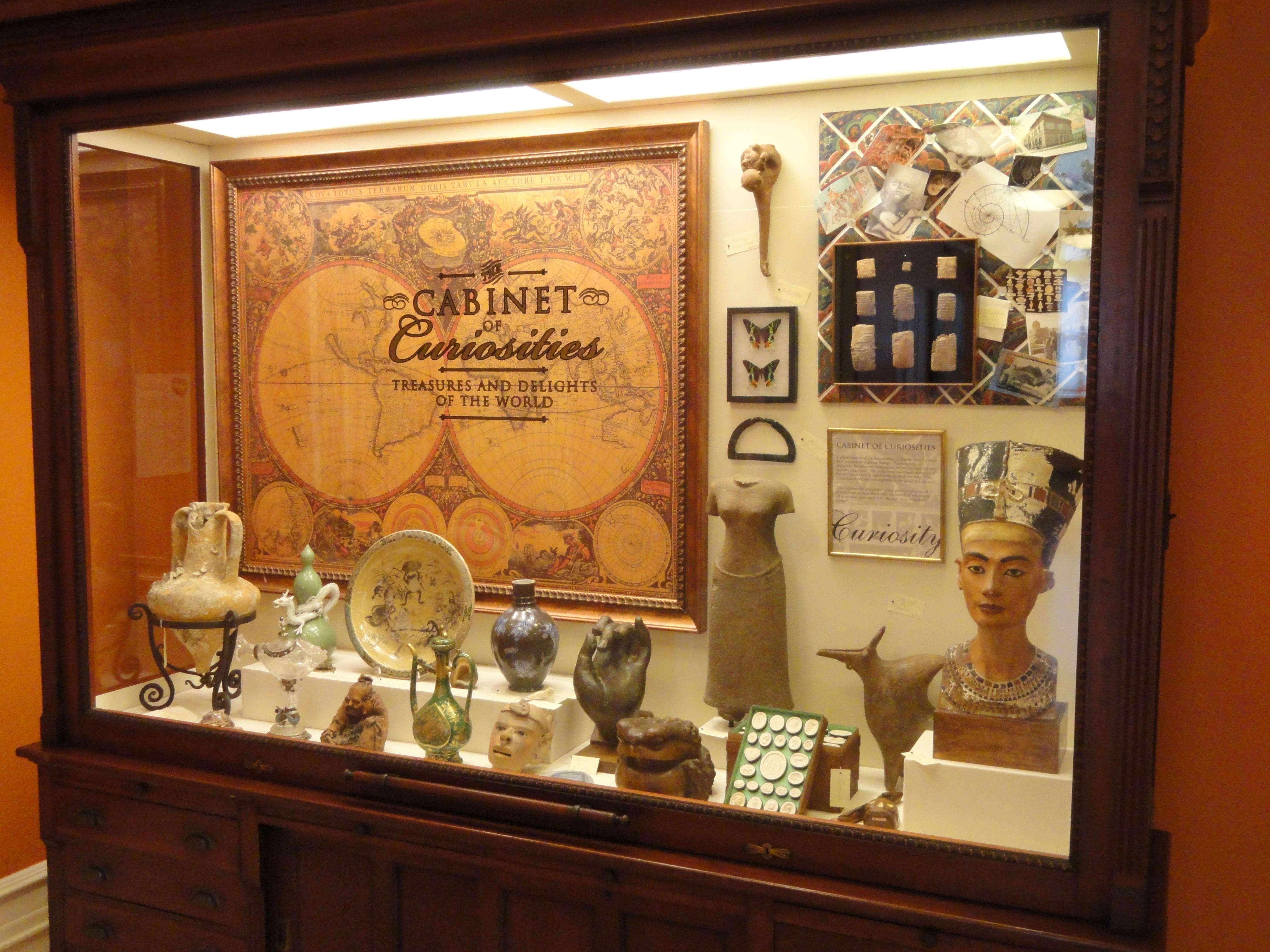 File:Cabinet Of Curiosities   George Walter Vincent Smith Art Museum    DSC03690.JPG