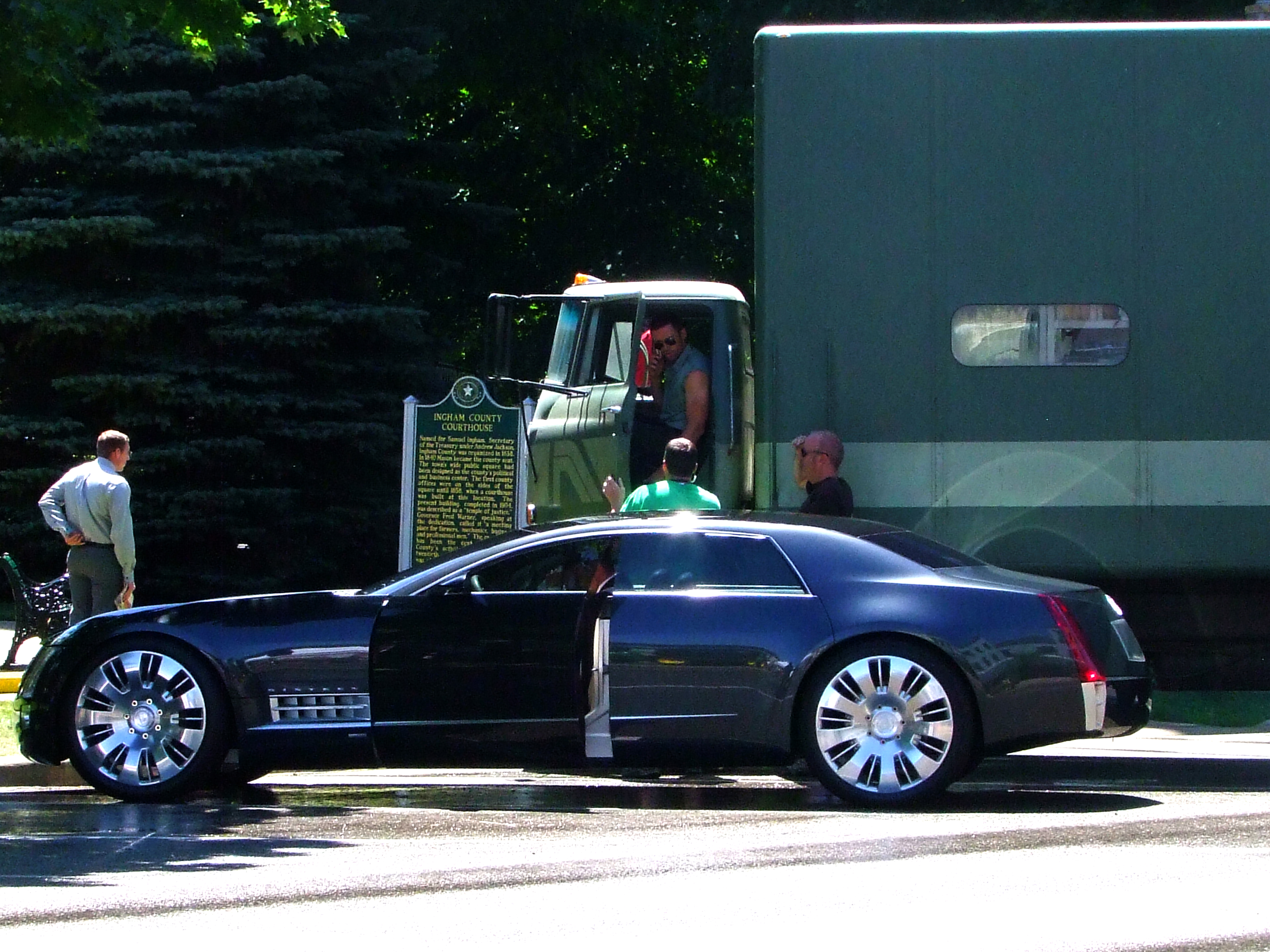 Used Cars In Usa >> File:Cadillac Sixteen concept - Hugh Jackman in action.jpg - Wikimedia Commons