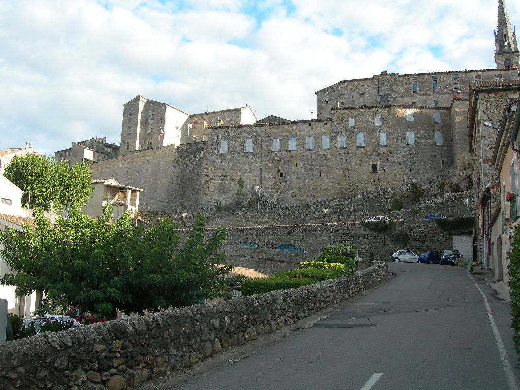 File:Chateau de joyeuse.jpg - Wikipedia, the free encyclopedia
